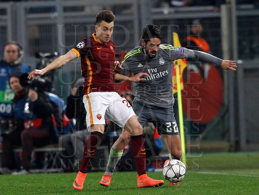 Calcio, andata degli ottavi di finale di Champions League: Roma vs Real Madrid. Roma, stadio Olimpico, 17 febbraio 2016.<br /> Real Madrid's Isco, right, is challenged by Roma's Stephan El Shaarawy during the first leg round of 16 Champions League football match between Roma and Real Madrid, at Rome's Olympic stadium, 17 February 2016.<br /> UPDATE IMAGES PRESS/Riccardo De Luca