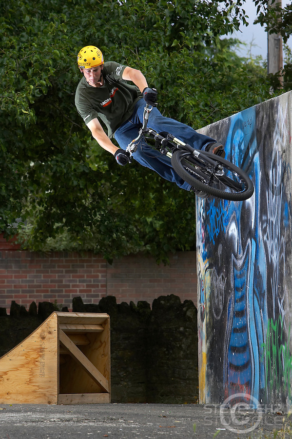 Jim De Champ..Frome , Somerset   August 2006..pic copyright Steve Behr / Stockfile