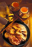 Europe/France/Bretagne/22/Cotes d'Armor: Bouillie d'avoine poellée, lard roti et galettes recette de Patrick Jeffroy et bolées de cidre