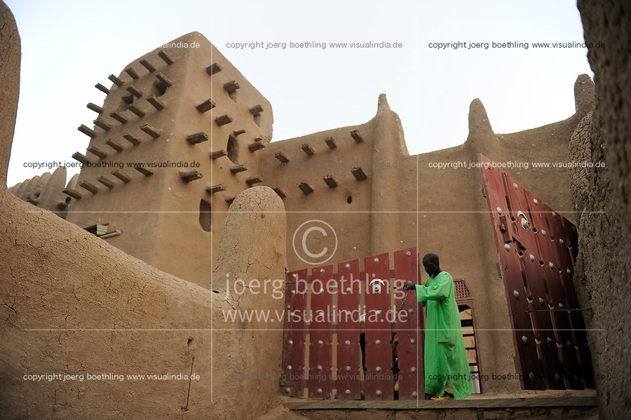 MALI Djenne , Groesste Moschee aus Lehm ist UNESCO Weltkulturerbe / MALI Djenne , Grand Mosque build from clay is UNESCO world heritage