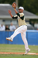 February 22, 2009:  First baseman Todd Brazeal (33) of the University of South Florida during the Big East-Big Ten Challenge at Naimoli Complex in St. Petersburg, FL.  Photo by:  Mike Janes/Four Seam Images