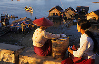 Asie/Birmanie/Myanmar/Haute Birmanie/Mandalay: Sur le port