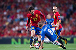 Isco (L) of Spain fights for the ball with Marco Verratti (R) of Italy during their 2018 FIFA World Cup Russia Final Qualification Round 1 Group G match between Spain and Italy on 02 September 2017, at Santiago Bernabeu Stadium, in Madrid, Spain. Photo by Diego Gonzalez / Power Sport Images
