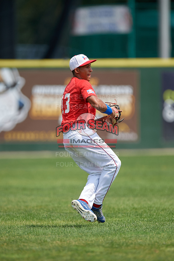 Emmanuel Rodriguez (13) throws the ball in during the Dominican Prospect League Elite Underclass International Series, powered by Baseball Factory, on August 2, 2017 at Silver Cross Field in Joliet, Illinois.  (Mike Janes/Four Seam Images)