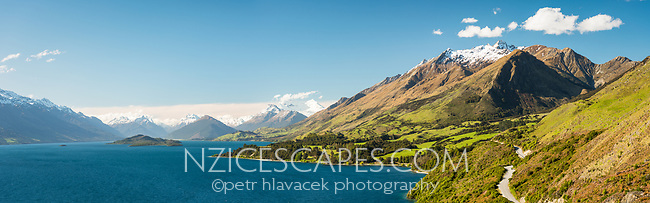 Lake Wakatipu from Bennetts Bluff with Mount Aspiring NP in background, Mount Aspiring National Park, UNESCO World Heritage Area, Central Otago, New Zealand, NZ