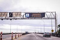 Vitoria (ES), 22/03/2020 - QUARENTENA/CORONA - Terceira Ponte tem seus letreiros com aviso para que as pessoas fiquem em casa, para prevenir a disseminacao do Covid-19; (Foto: Bruno Lopes/Codigo19) (Foto: Bruno Lopes/Codigo 19/Codigo 19)
