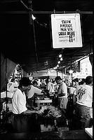 Europe/France/Aquitaine/64/Pyrénées-Atlantiques/Pays Basque/Saint-Jean-de-Luz:  Lors de la Fête du Thon-Dans les cuisines on s'active pour préparer le thon basquaise