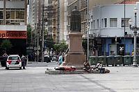 Campinas (SP), 21/04/2021 - Comércio - Movimentação na rua 13 de Maio, onde o comércio da cidade de Campinas (SP) tem funcionamento facultativo durante o feriado de Tiradentes, nesta quarta-feira (21). As lojas podem abrir ao público entre 11h e 19h, período definido pelo estado na fase de transição do Plano SP.
