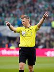 Nederland, Rotterdam, 3 mei 2015<br /> KNVB Bekerfinale<br /> Seizoen 2014-2015<br /> PEC Zwolle-FC Groningen<br /> Elftalfoto van PEC Zwolle<br /> Scheidsrechter Richard Liesveld.