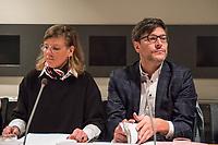"""Gemeinsam mit dem Senator fuer Justiz, Verbraucherschutz und Antidiskriminierung des Landes Berlin, Dr. Dirk Behrendt stellte die Leiterin der Mobilen Beratung gegen Rechtsextremismus Berlin (MBR), Bianca Klose, am Donnerstag den 6. Februar 2020 in Berlin die neue MBR-Handreichung """"Nur Schnee von gestern? Zum Umgang mit dem Kulturkampf von rechts in Gedenkstaetten und Museen"""" vor.<br /> In den vergangenen zwei Jahren hat die MBR zahlreiche Beratungs- und Qualifizierungsanfragen aus Gedenkstaetten und Museen erhalten. Waehrend Mitarbeiter*innen immer wieder mit Besucher*innen konfrontiert sind, die NS-Verbrechen verharmlosen oder gar leugnen, wird mit parlamentarischen Anfragen und Antraegen versucht, auf die Ausgestaltung von Gedenkstaetten und Museen Einfluss zu nehmen. Gleichzeitig stoeren und instrumentalisieren Rechtsextreme und Rechtspopulist*innen Gedenkveranstaltungen und inszenieren dies anschliessend im Internet.<br /> Die neue Handreichung der MBR nimmt diese Herausforderungen in den Blick und reagiert damit auf das wachsende Beduerfnis nach Unterstuetzung unter Mitarbeiter*innen von Gedenkstaetten und Museen. Die Broschuere stellt konkrete Anregungen, Tipps und Praxisbeispiele vor, um die Akteur*innen vor Ort dabei zu unterstuetzen, eigene Handlungsstrategien zu entwickeln.<br /> An der Vorstellung der Broschuere nahmen zudem Uwe Neumaerker, Direktor der Stiftung Denkmal fuer die ermordeten Juden Europas, sowie mit Daniela Bystron, Kuratorin fuer Outreach des Bruecke-Museums teil.<br /> Im Bild vlnr.: Bianca Klose, MBR und Justizsenator Dirk Behrendt, Buendnis 90/Die Gruenen.<br /> 6.2.2020, Berlin<br /> Copyright: Christian-Ditsch.de<br /> [NUR FUER REDAKTIONELLE ZWECKE! Werbung nur auf Anfrage beim Fotografen. Inhaltsveraendernde Manipulation des Fotos nur nach ausdruecklicher Genehmigung des Fotografen. Vereinbarungen ueber Abtretung von Persoenlichkeitsrechten/Model Release der abgebildeten Person/Personen liegen nicht vor. NO MODEL RELEASE! Don't pub"""