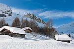 Italy, Veneto, Province Belluno, hay huts at Passo di Fedaia | Italien, Veneto, Provinz Belluno, Heuhuetten am Fedaiapass
