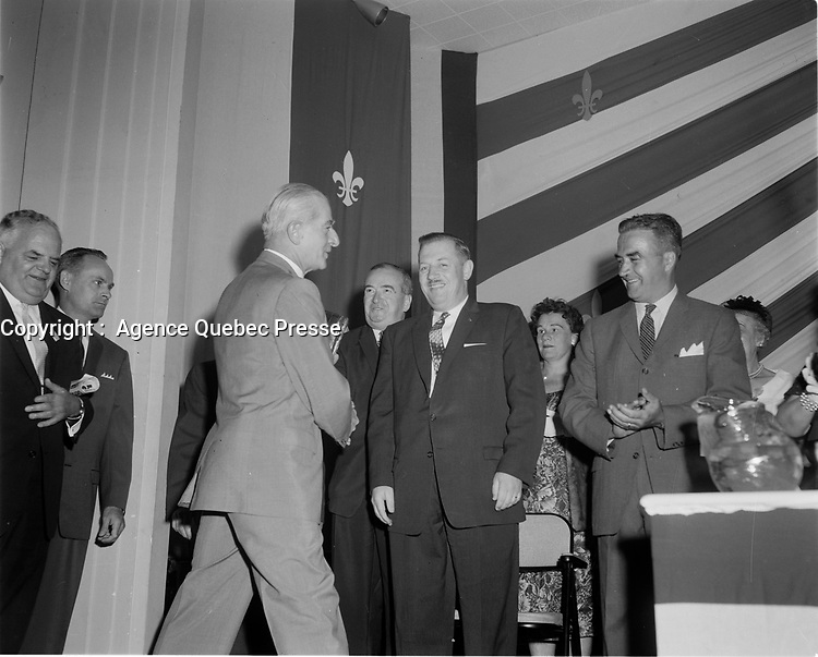 Le Chef de l'union-Nationale Antonio Barrette, lr<br /> 19 juin1960, durant la campagne electorale.<br /> <br /> <br /> <br /> PHOTO :  Agence Quebec Presse