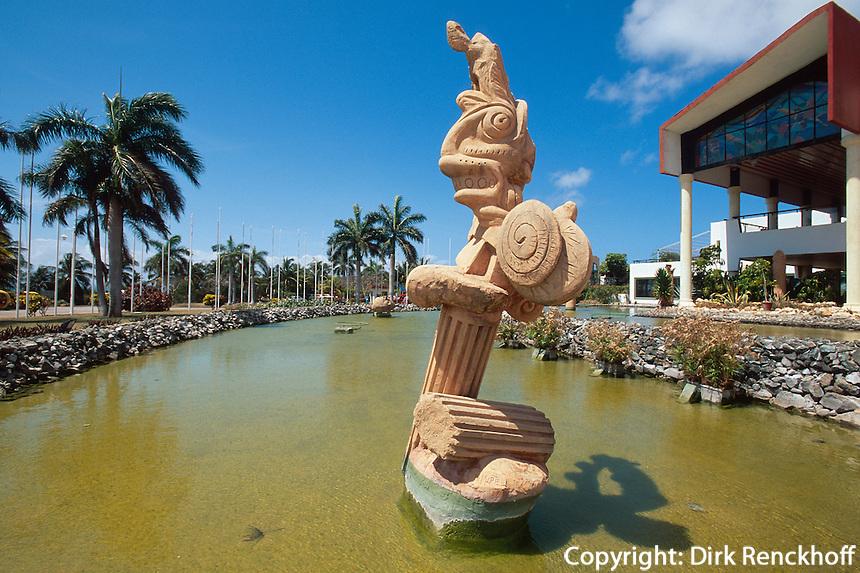 Cuba, Centro de Convenciones an der Plaza America in Varadero, Provinz Mantanzas