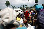 © Remi OCHLIK/IP3, Kibati , Republique Democratique du Congo, le 24 novembre 2008 - Camp de refugies de Kibati - Le WFP (world food program) distribu de la nourriture aux deplaces...Kibati refugees camp. WFP gives food to the displaced people..