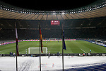 Hertha Berlin 1 Sporting Lisbon 0, 16/12/2010. Olympic Stadium, Europa League. The second half gets under way as Hertha Berlin (blue) take on Sporting Lisbon in the Olympic Stadium in Berlin in a UEFA Europa League group match. Hertha won the match by 1 goal to nil to press to the knock-out round of the cup. 2009/10 was the the first year in which the Europa League replaced the UEFA Cup in European football competition. Photo by Colin McPherson.
