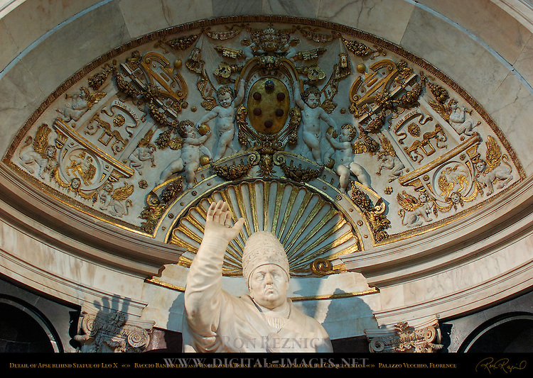 Leo X Bandinelli de'Rossi Salone dei Cinquecento (Hall of 500) Palazzo Vecchio Florence