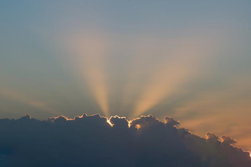 Gods rays, clouds, bora bora.