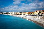 Frankreich, Provence-Alpes-Côte d'Azur, Nizza: Strand an der Promenade des Anglais | France, Provence-Alpes-Côte d'Azur, Nice: beach at Promenade des Anglais