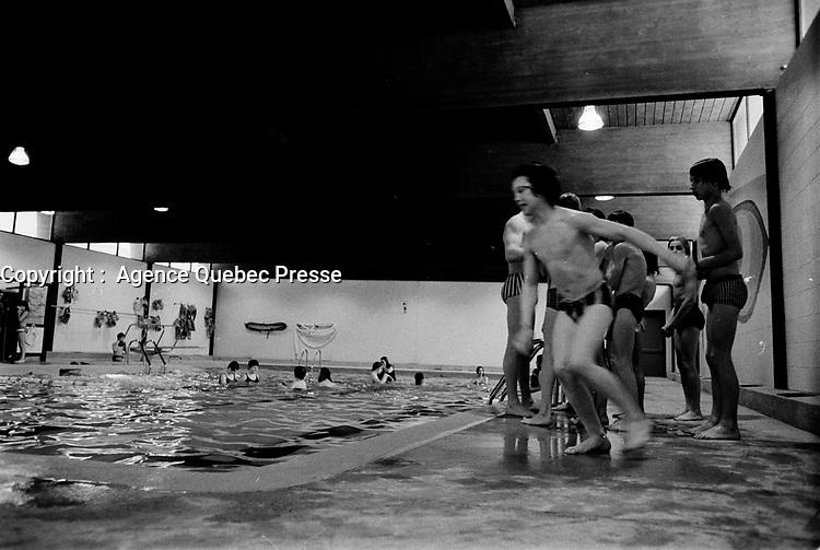 PIscine interieure ,<br />  6 Mars 1973<br /> <br /> PHOTO :   Agence Quebec Presse - Alain Renaud