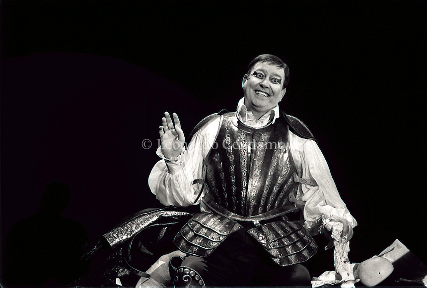1996: CARMELO BENE  HAMLET SUITE  © Leonardo Cendamo