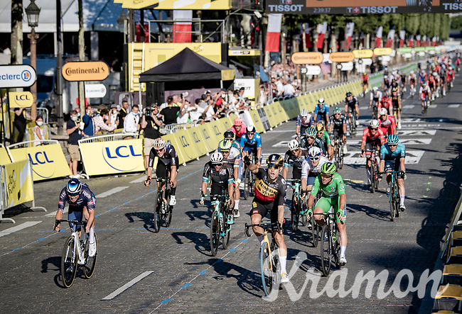 A 3rd victory in this Tour for Belgian National Champion Wout van Aert (BEL/Jumbo-Visma); this time as winner of the bunch sprint.<br /> <br /> Stage 21 (Final) from Chatou to Paris - Champs-Élysées (108km)<br /> 108th Tour de France 2021 (2.UWT)<br /> <br /> ©kramon