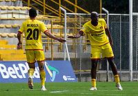 BOGOTA - COLOMBIA, 25-10-2020: Bogota F.C. y Tigres F. C., durante partido por la fecha 14 del Torneo BetPlay DIMAYOR 2020 jugado en el estadio Metropolitano de Techo  en la ciudad de Bogota. / Bogota F.C. and Tigres F. C., during a match for the 14th date of the BetPlay DIMAYOR 2020 tournament played at the Metropolitano de Techo de stadium in Bogota city. / Photo: VizzorImage / Samuel Norato / Cont.