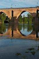 Europe/France/Midi-Pyérénées/82/Tarn-et-Garonne/Montauban: Le pont Vieux  e