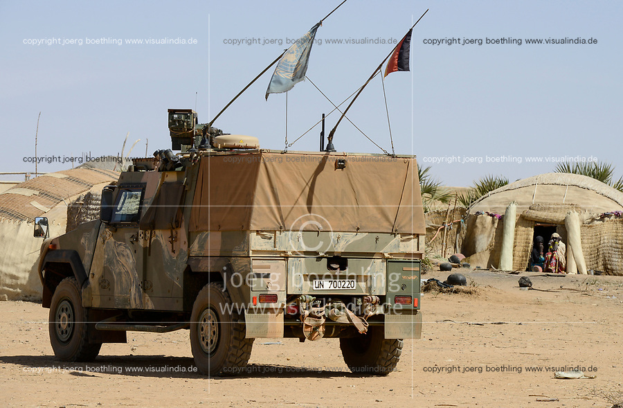 MALI, Gao, Minusma UN peace keeping mission, Camp Castor, german army Bundeswehr, patrol with Eagle Mowag armored vehicle / Patrouille im Dorf BAGOUNDJÉ