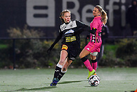 Aalst's Loes Van Mullem pictured during a female soccer game between Sporting Charleroi and Eendracht Aalst on the 8th  matchday of the 2020 - 2021 season of Belgian Scooore Womens Super League , friday 20 th of November 2020  in Marcinelle , Belgium . PHOTO SPORTPIX.BE | SPP | DAVID CATRY