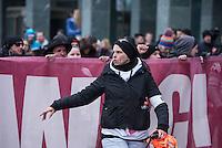 """Etwa 2.000 rechtsradikale Menschen demonstrierten am Samstag den 12. Maerz 2016 in Berlin unter dem Motto """"Merkel muss weg!"""" gegen Angela Merkel, gegen Fluechtlinge und fuer """"Das deutsche Vaterland"""".<br /> Bis auf wenige Ausnahmen waren angereisten Teilnehmer Neonazis und Hooligans, NPD-, Pediga- und AfD-Mitglieder.<br /> Aufgerufen zu dem Aufmarsch hatten die Hooligan-Gruppen """"Buendnis fuer Deutschland"""" und """"Buendnis fuer Berlin"""".<br /> Im Bild: Eine Ordnerin der rechten Aufmarsch mit unzaehligen Piercings im Gesicht.<br /> 12.3.2016, Berlin<br /> Copyright: Christian-Ditsch.de<br /> [Inhaltsveraendernde Manipulation des Fotos nur nach ausdruecklicher Genehmigung des Fotografen. Vereinbarungen ueber Abtretung von Persoenlichkeitsrechten/Model Release der abgebildeten Person/Personen liegen nicht vor. NO MODEL RELEASE! Nur fuer Redaktionelle Zwecke. Don't publish without copyright Christian-Ditsch.de, Veroeffentlichung nur mit Fotografennennung, sowie gegen Honorar, MwSt. und Beleg. Konto: I N G - D i B a, IBAN DE58500105175400192269, BIC INGDDEFFXXX, Kontakt: post@christian-ditsch.de<br /> Bei der Bearbeitung der Dateiinformationen darf die Urheberkennzeichnung in den EXIF- und  IPTC-Daten nicht entfernt werden, diese sind in digitalen Medien nach §95c UrhG rechtlich geschuetzt. Der Urhebervermerk wird gemaess §13 UrhG verlangt.]"""