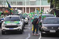11/04/2021 - MANIFESTANTES PEDEM REABERTURA DE IGREJAS EM CURITIBA