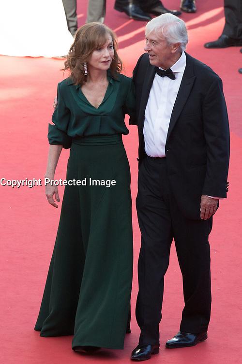 Isabelle Huppert, Paul Verhoeven - CANNES 2016 - MONTEE DU FILM 'ELLE'