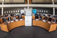 """Bundeskonferenz der """"Jungen Islam Konferenz"""" (JIK) vom 24. bis 26. Maerz 2017 in Berlin.<br /> Ca. 50 Junge Menschen verschiedener Religionen trafen sich zu der Bundeskonferenz im Deutschen Bundestag.<br /> Am Eroeffnungstag sprach die Staatsministerin fuer Integration, Aydan Oezoguz (SPD) zu den Konferenz-Teilnehmern.<br /> Im Bild: Tarek Muendelein, Projektmanager der JIK<br /> 24.3.2017, Berlin<br /> Copyright: Christian-Ditsch.de<br /> [Inhaltsveraendernde Manipulation des Fotos nur nach ausdruecklicher Genehmigung des Fotografen. Vereinbarungen ueber Abtretung von Persoenlichkeitsrechten/Model Release der abgebildeten Person/Personen liegen nicht vor. NO MODEL RELEASE! Nur fuer Redaktionelle Zwecke. Don't publish without copyright Christian-Ditsch.de, Veroeffentlichung nur mit Fotografennennung, sowie gegen Honorar, MwSt. und Beleg. Konto: I N G - D i B a, IBAN DE58500105175400192269, BIC INGDDEFFXXX, Kontakt: post@christian-ditsch.de<br /> Bei der Bearbeitung der Dateiinformationen darf die Urheberkennzeichnung in den EXIF- und  IPTC-Daten nicht entfernt werden, diese sind in digitalen Medien nach §95c UrhG rechtlich geschuetzt. Der Urhebervermerk wird gemaess §13 UrhG verlangt.]"""