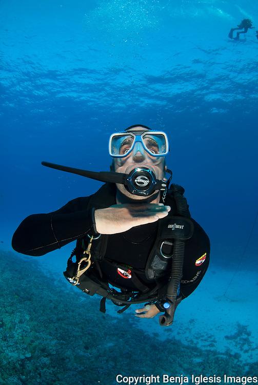 Diver running out of air Maui hawaii Molokini.