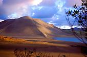 Volcan Yasur avec lac Siwi