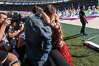 RIO DE JANEIRO, RJ, 13.07.2014 - COPA DO MUNDO - ALEMANHA - ARGENTINA - O jogador espanhol Gerard Pique o filho Milan e a cantora Shakira durante partida entre Alemanha e Argentina jogo valido pela final da Copa do Mundo no Estadio do Maracana no Rio de Janeiro neste domingo, 13. (Foto: William Volcov / Brazil Photo Press).