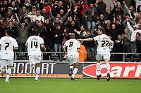 Pictured: Darren Pratley (centre) of Swansea City <br /> Re: Coca Cola Championship, Swansea City Football Club v Southampton at the Liberty Stadium, Swansea, south Wales 25 October 2008.<br /> Picture by Dimitrios Legakis Photography, Swansea, 07815441513