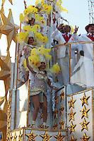 SAO PAULO, SP, 19 DE FEVEREIRO 2012 - CARNAVAL SP - TOM MAIOR - Desfile da escola de samba Tom Maior na segunda noite do Carnaval 2012 de São Paulo, no Sambódromo do Anhembi, na zona norte da cidade, neste domingo. (FOTO: RICARDO LOU  - BRAZIL PHOTO PRESS).q
