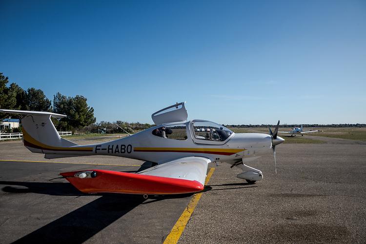 Aérodrome Salon-Eyguières - Club d'aviation : Avion de tourisme - Eyguières
