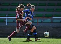 Dames Club Brugge - SV Zulte Waregem : Sheryl Merchiers in duel met Charlotte Laridon (r).foto DAVID CATRY / Nikonpro.be
