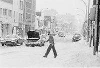 ARCHIVE -<br /> <br /> Neige a Montreal, dans les annees 70<br />  , date inconnue<br /> <br /> Photo : Agence Quebec Presse  - Alain Renaud
