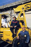 - Genoa, harbour workers....- Genova, lavoratori portuali