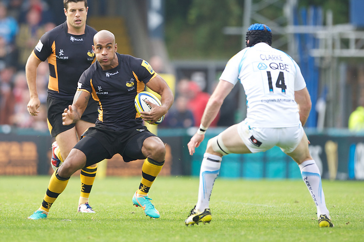 Tom Varndell of London Wasps faces up to Jon Clarke of Worcester Warriors during the Aviva Premiership match between London Wasps and Worcester Warriors at Adams Park on Sunday 7th October 2012 (Photo by Rob Munro)
