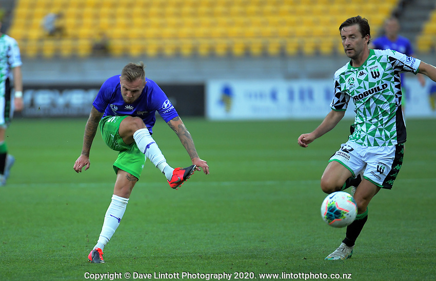 David Ball shoots for goal during the A-League football match between Wellington Phoenix and Western United FC at Sky Stadium in Wellington, New Zealand on Friday, 21 February 2020. Photo: Dave Lintott / lintottphoto.co.nz