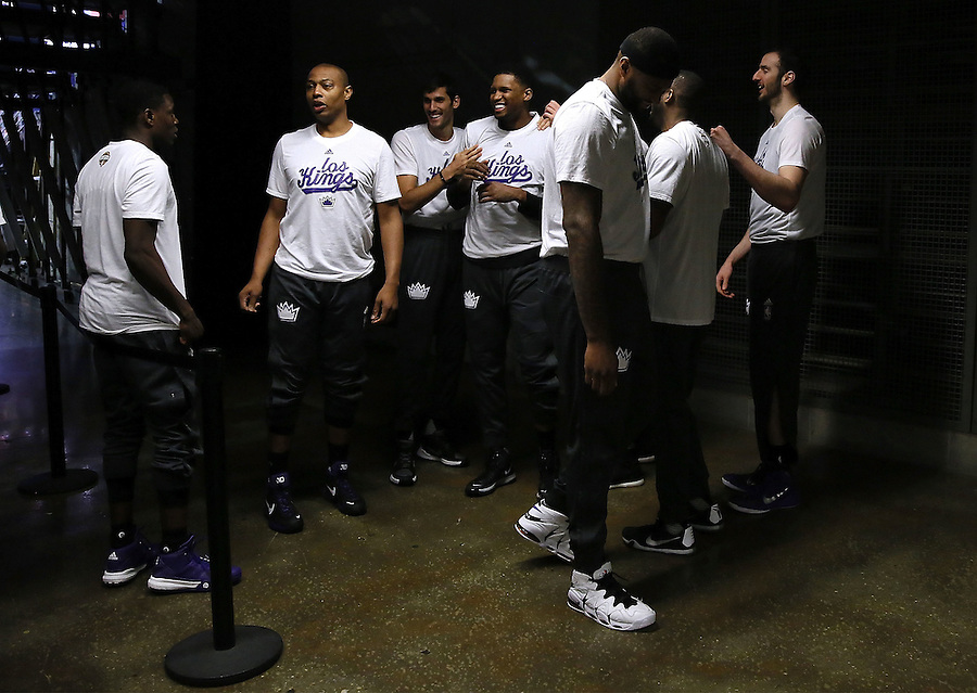 NEW ORLEANS, LA - MARCH 07: The Sacramento Kings prepare to take the court before a game at Smoothie King Center on March 7, 2016 in New Orleans, Louisiana. NOTE TO USER: User expressly acknowledges and agrees that, by downloading and or using this photograph, User is consenting to the terms and conditions of the Getty Images License Agreement.  (Photo by Jonathan Bachman/Getty Images)