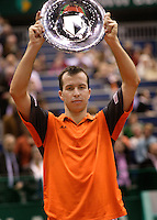 26-2-06, Netherlands, tennis, Rotterdam, the winner Stepanek with the trophy