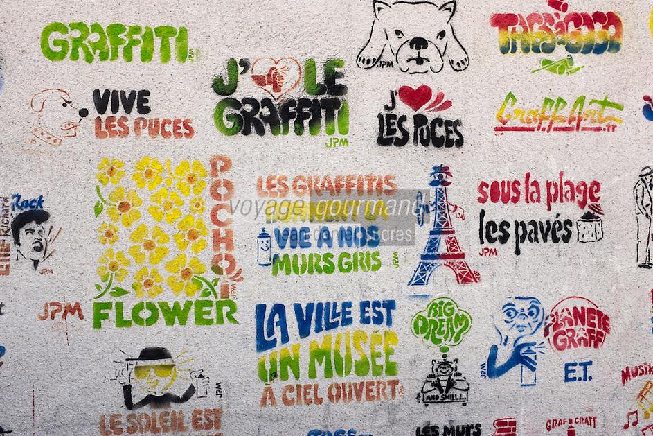 France, Seine-Saint-Denis (93), Saint-Ouen, Le marché aux Puces , graffitis sur un mur//  France, Seine Saint Denis, Saint Ouen flea market , graffitis
