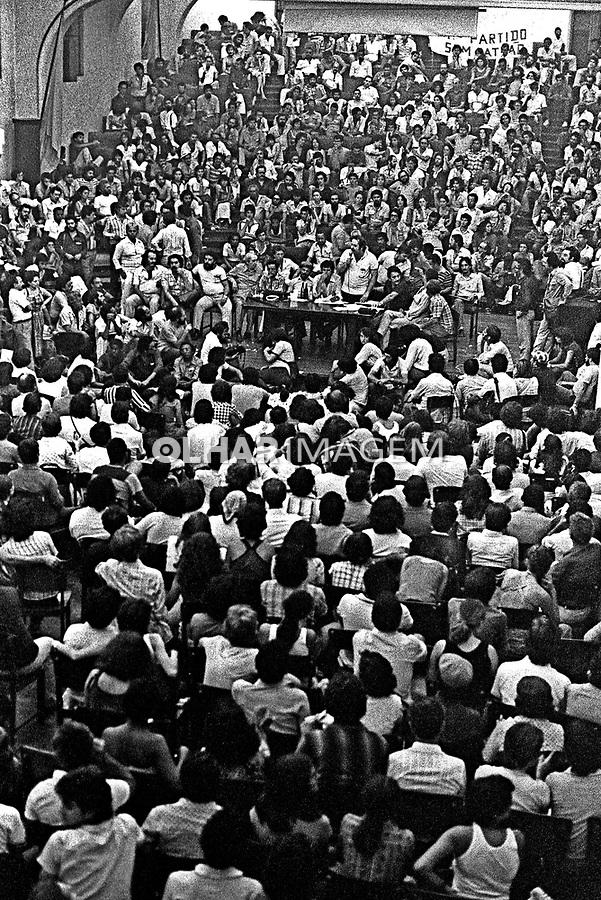 Encontro Nacional de Fundação do Partido dos Trabalhadores, PT. Colégio Sion. SP. 10.02.1980. Foto de Juca Martins.