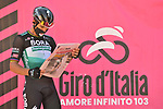 Yesterday's stage winner Peter Sagan (SVK) Bora-Hansgrohe catches up with all the news at sign on before the start of Stage 11 of the 103rd edition of the Giro d'Italia 2020 running 182km from Porto Sant'Elpidio to Rimini, Italy. 14th October 2020.  <br /> Picture: LaPresse/Massimo Paolone | Cyclefile<br /> <br /> All photos usage must carry mandatory copyright credit (© Cyclefile | LaPresse/Massimo Paolone)