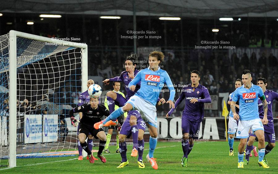 - NAPOLI 23 MAR  -  Stadio San Paolo    Napoli -  Fiorentina<br />  nella foto  Henrique
